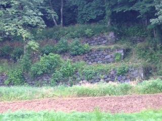 三段石垣.JPG